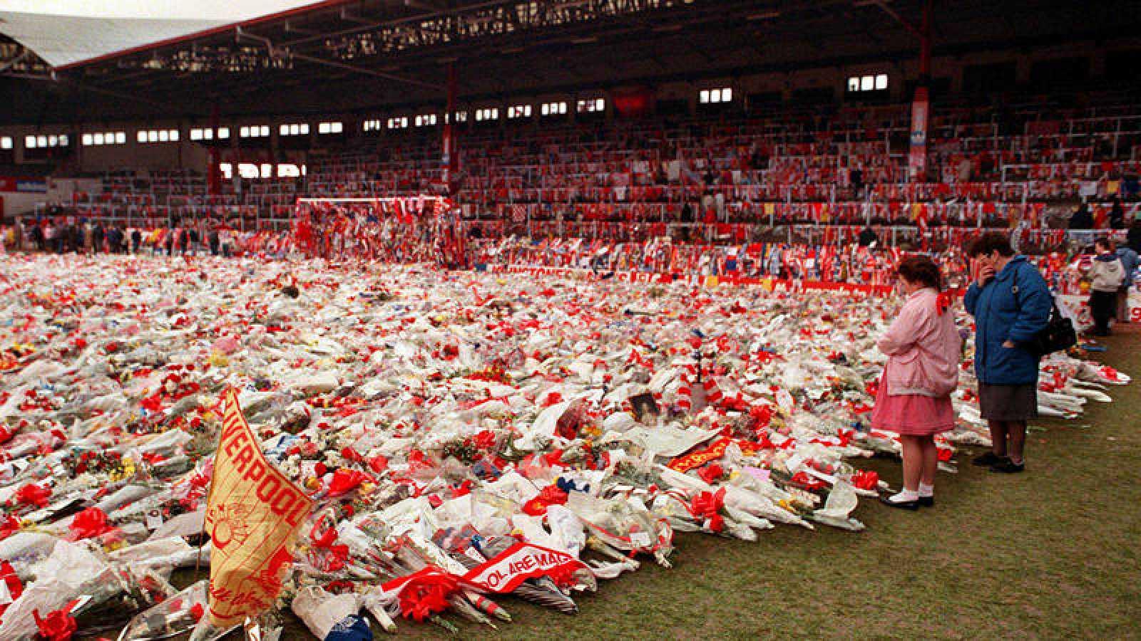 Memorial en el estadio de Hillsborough en homenaje a las 96 fallecidos (1989).