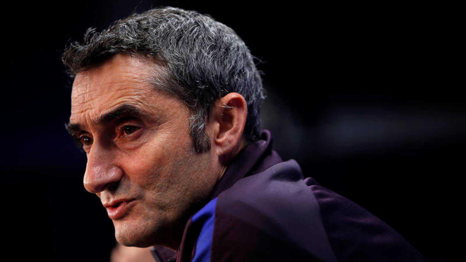 El entrenador del FC Barcelona, Ernesto Valverde, en una rueda de prensa en la víspera de su encuentro ante el Atlético de Madrid