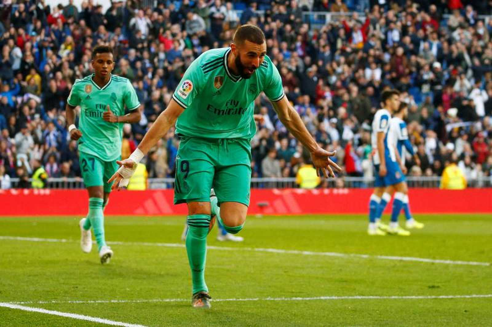 Benzema celebra su gol ante el Espanyol