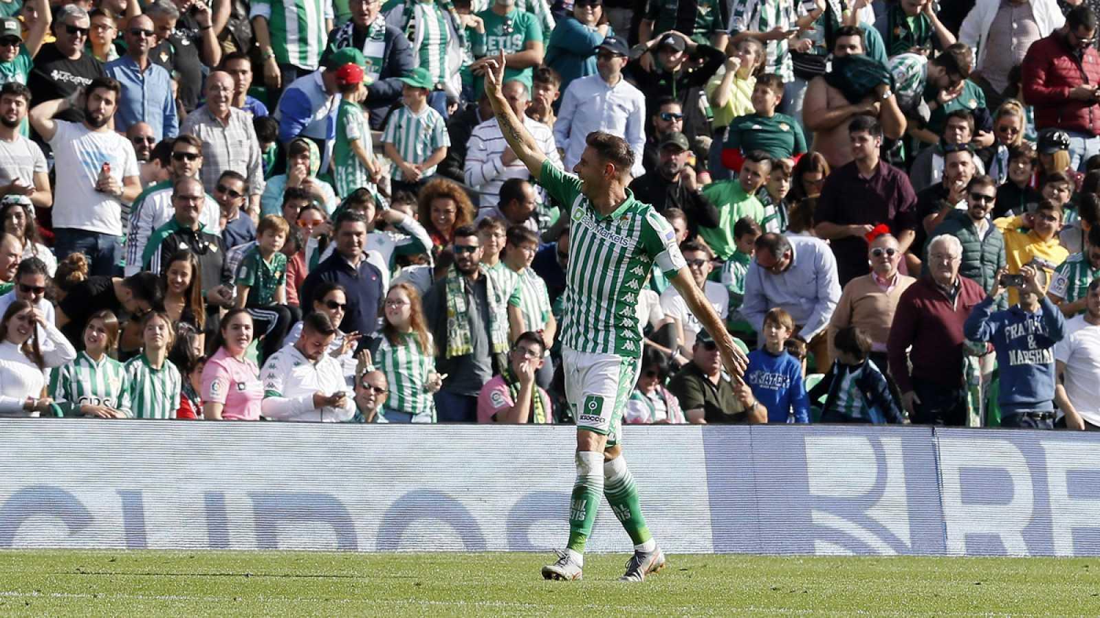 Joaquín celebra uno de sus tres tantos