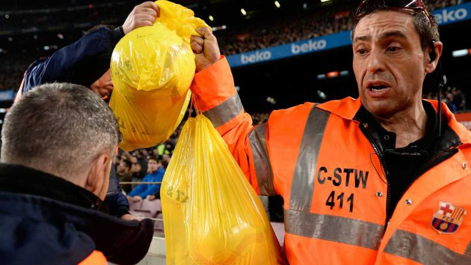 El Barça es apercibido de clausura por alteración de orden grave en el Clásico