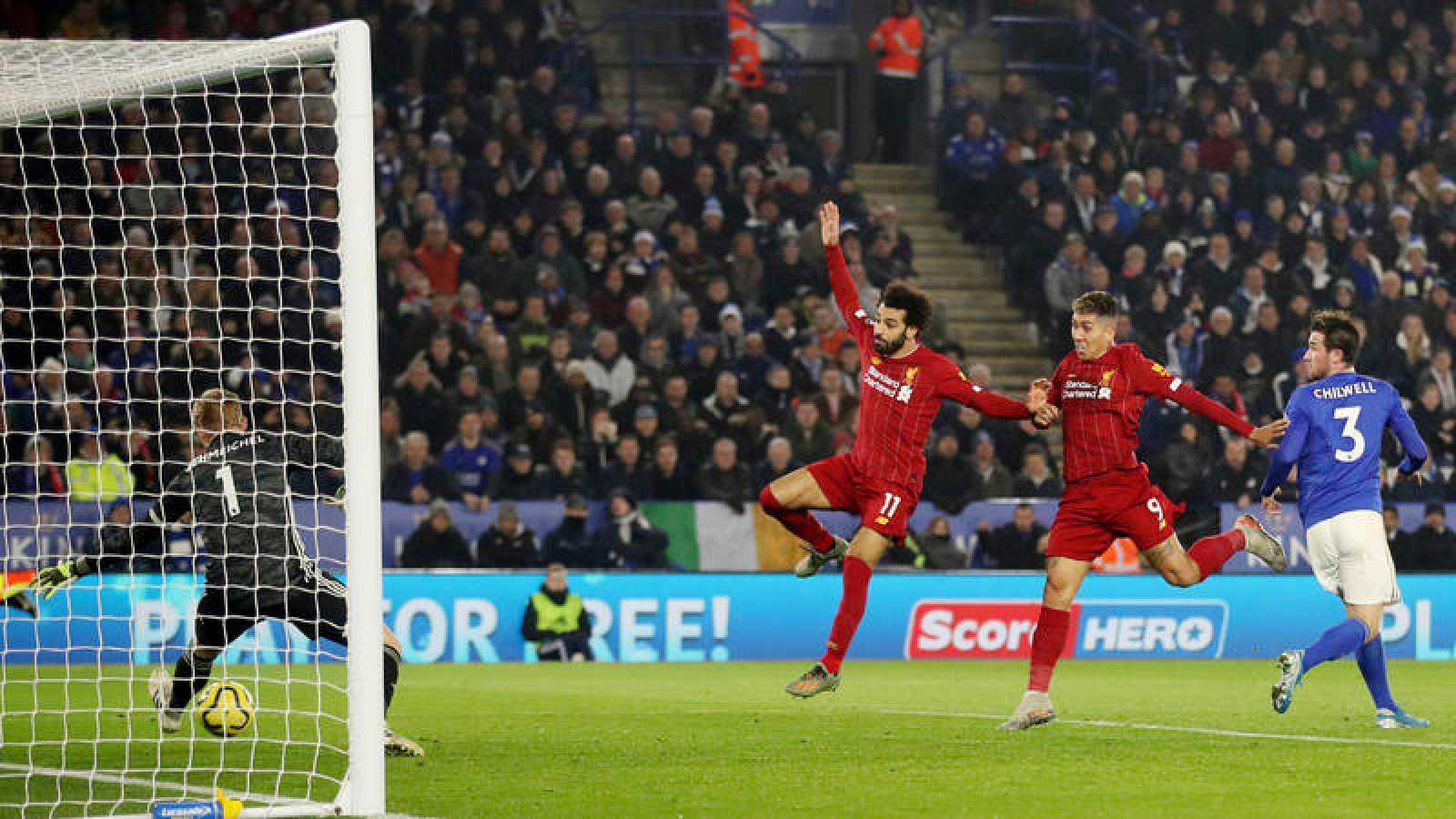 Firmino, autor de dos de los cuatro tantos en la goleada del Liverpool al Leicester.