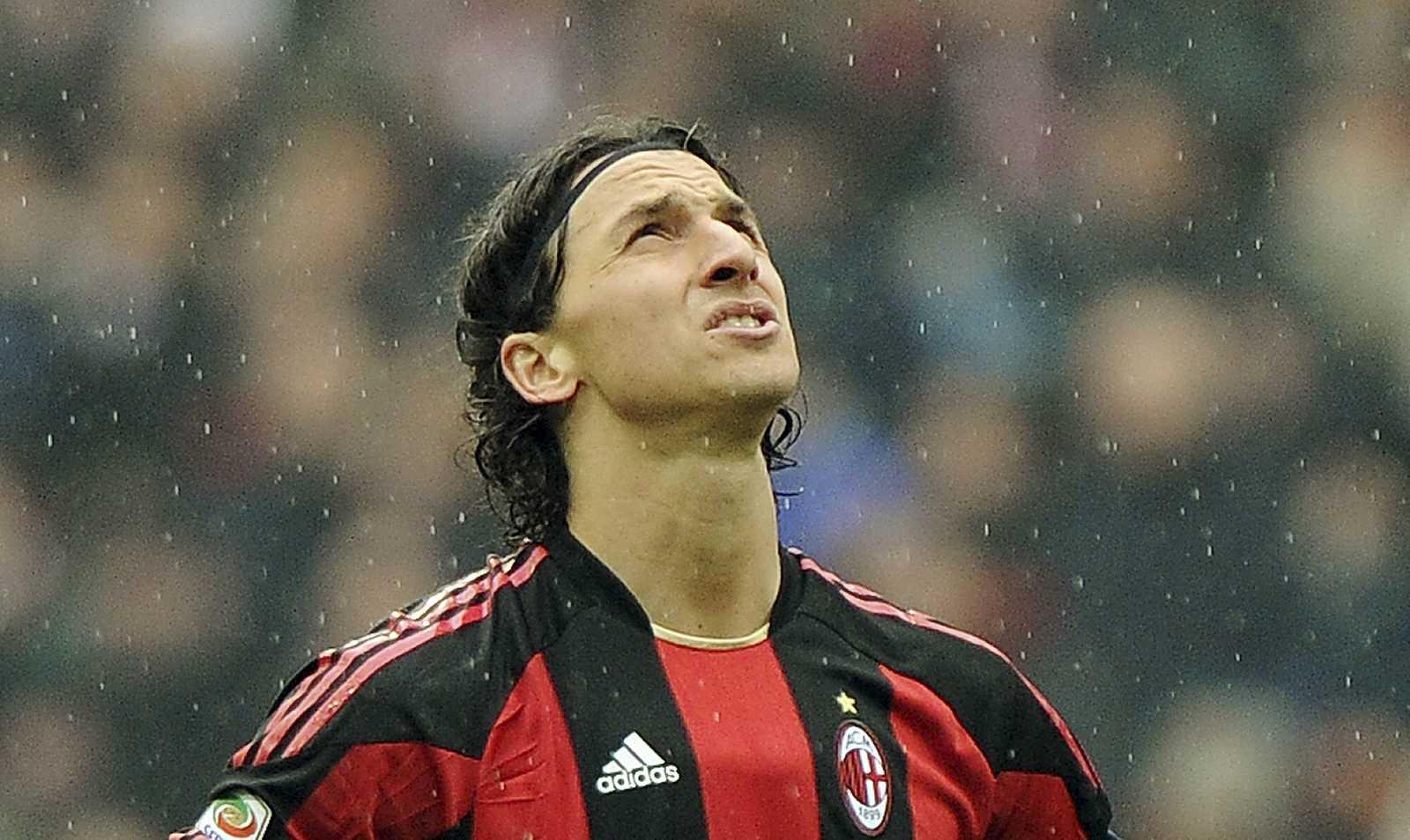 Zlatan Ibrahimovic durante un partido con el Milan en 2011