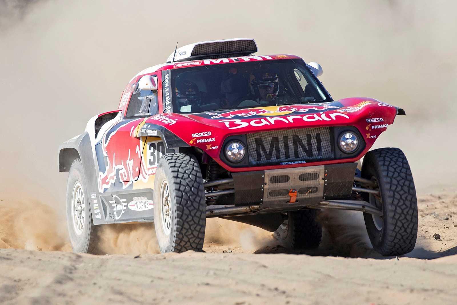 Imagen del piloto madrileño Carlos Sainz durante la primera etapa del Dakar 2020.