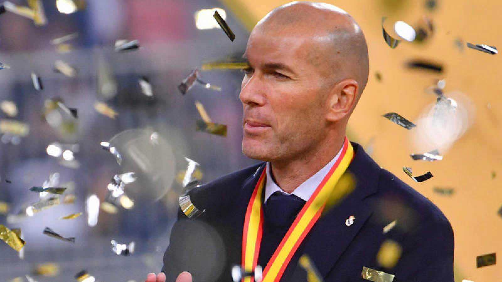 Zinedine Zidane, en la entrega de trofeos de la Supercopa.