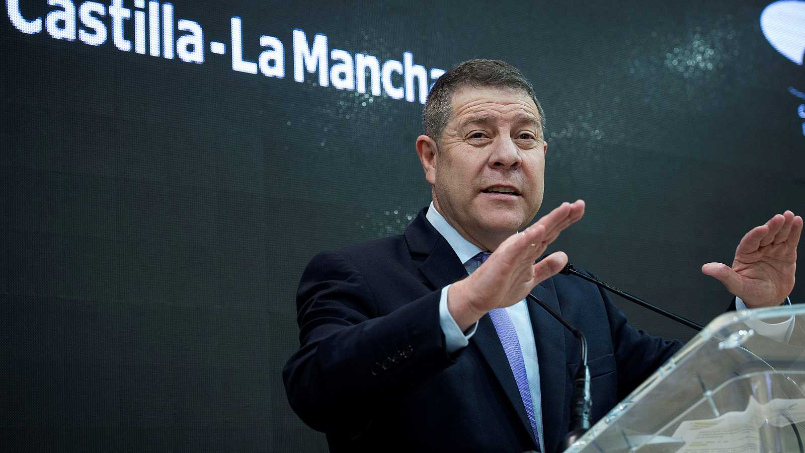 García-Page en visita al stand de Castilla La Mancha