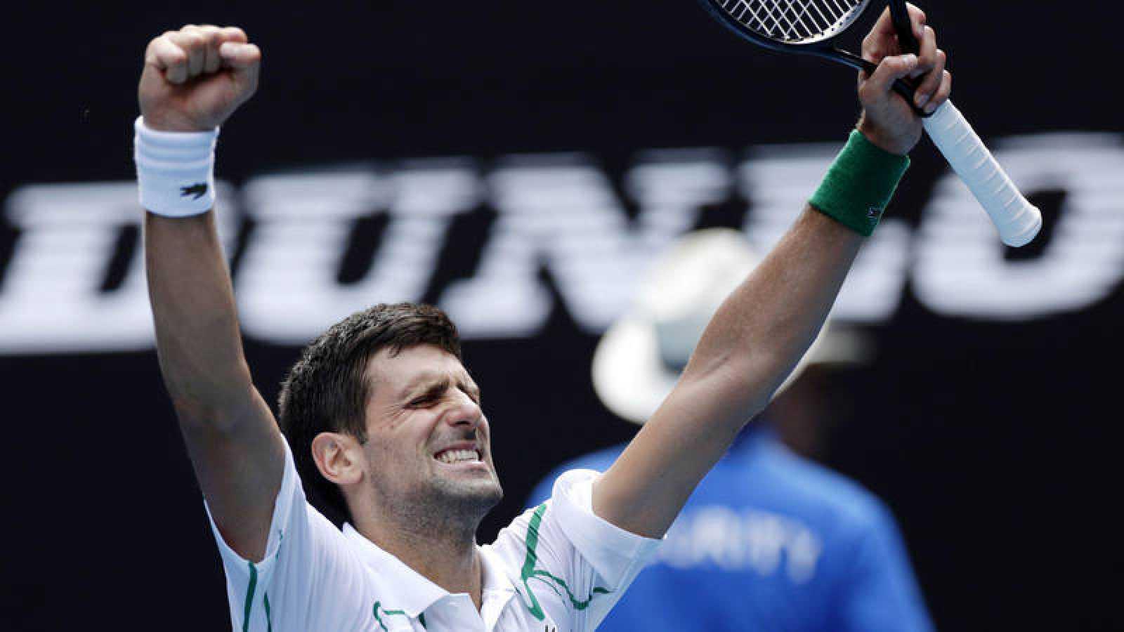 Djokovic celebra su victoria ante Schwartzman.