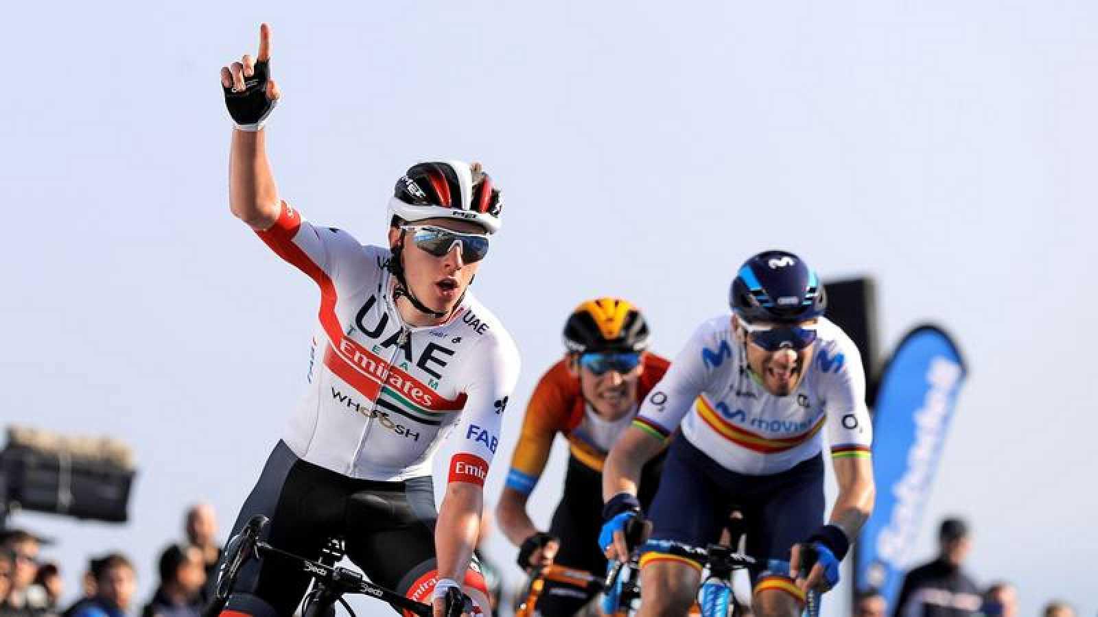 Tadej Pogacar se impone en la segunda etapa de la Vuelta a la Comunitat Valenciana.