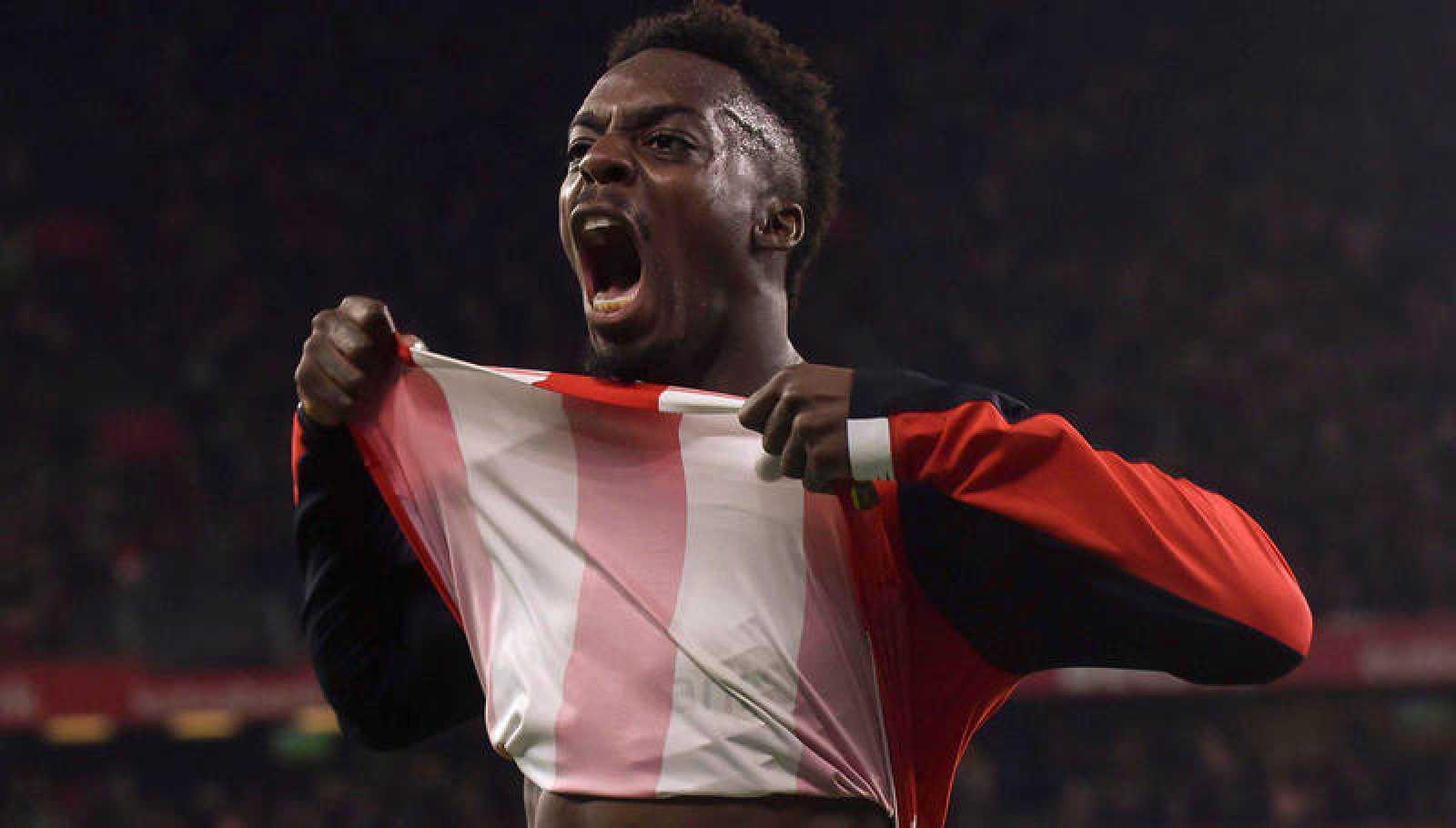 Iñaki Williams celebra el tanto que ha metido al Athletic en semifinales de Copa.