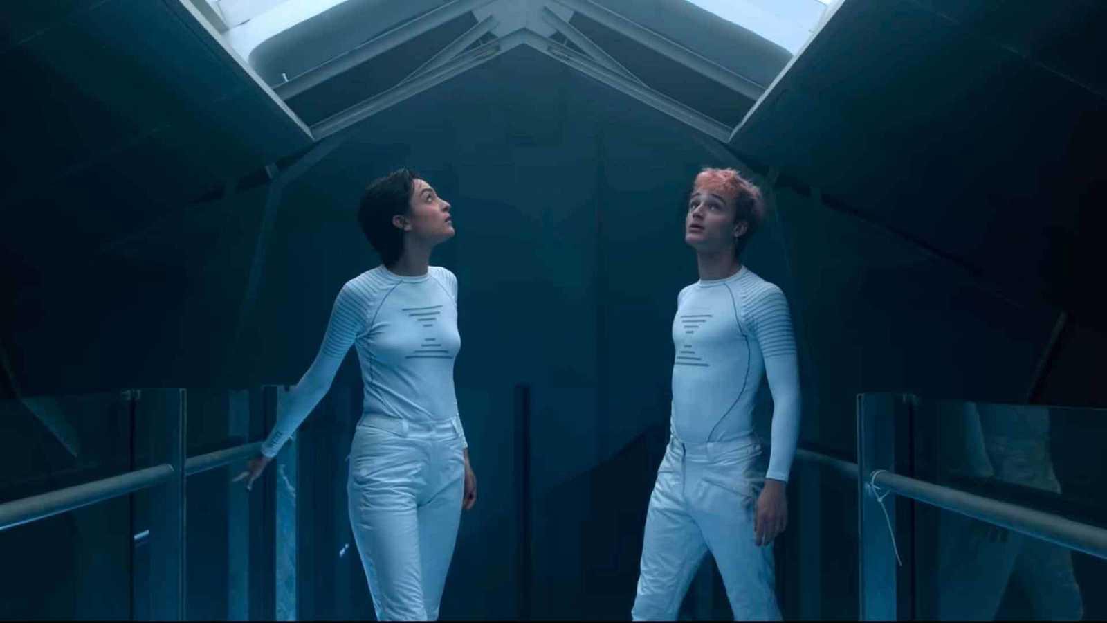 """Natalia Lacunza y Pol Granch, en una imagen del videoclip """"En Llamas"""""""