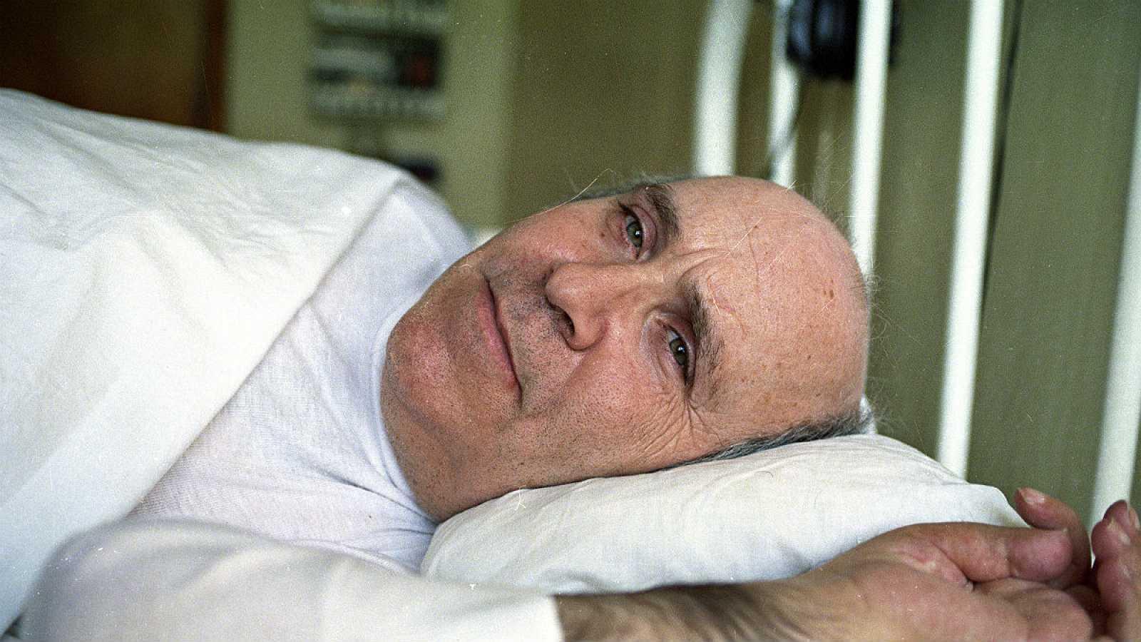 Ramón Sampedro fue el primero en pedir de forma pública la legalización de la eutanasia, en 1998.