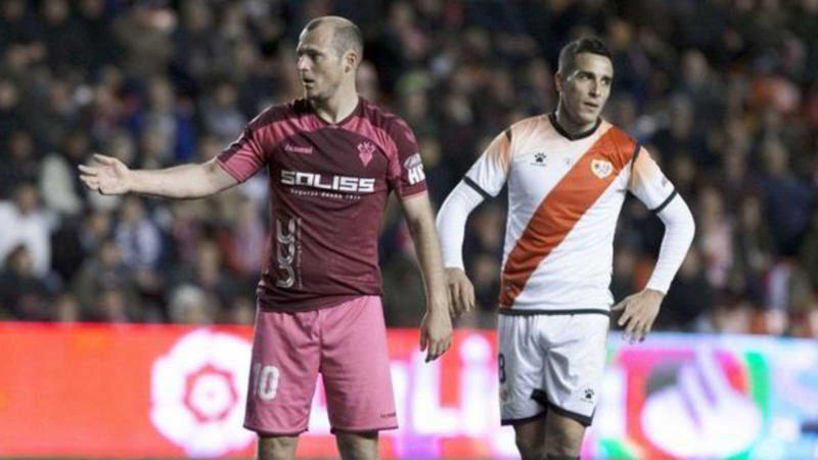 Imagen del jugador del Albacete Roman Zozulia en su partido ante el Rayo Vallecano.