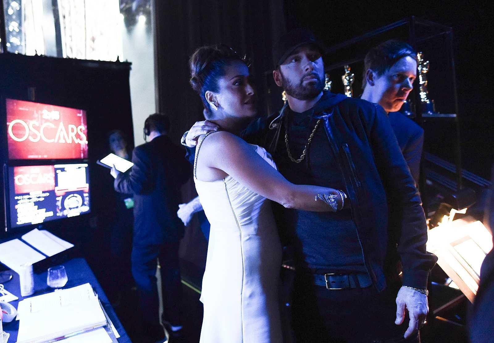 Salma Hayek se encuentra con Eminem en los Oscar