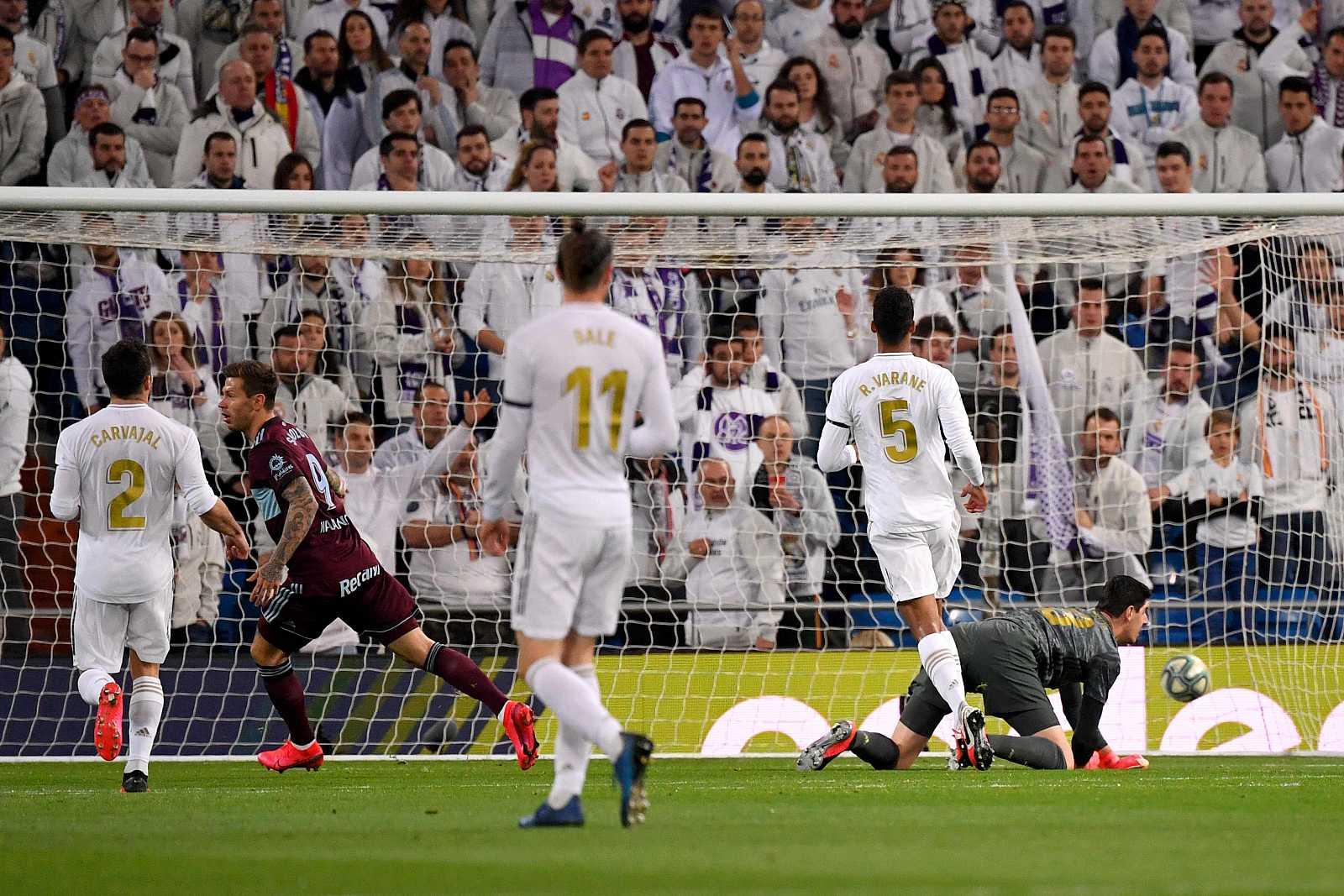 Smolov marca el primer gol del Celta