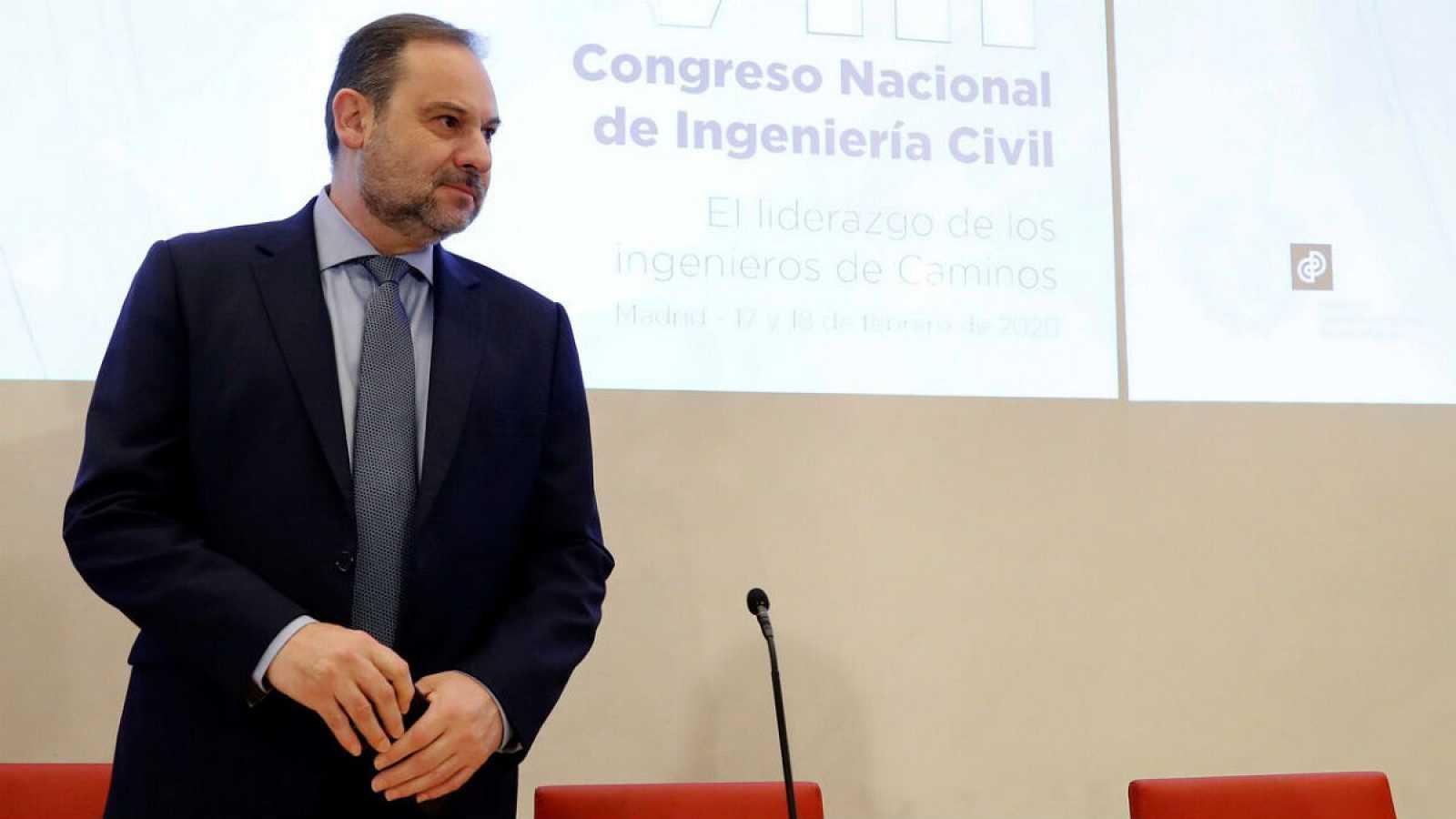 El ministro de Transportes, Movilidad y Agenda Urbana, José Luis Ábalos, inaugura el VIII Congreso Nacional de Ingeniería Civil, organizado por el Colegio de Ingenieros de Caminos, Canales y Puertos en Madrid.