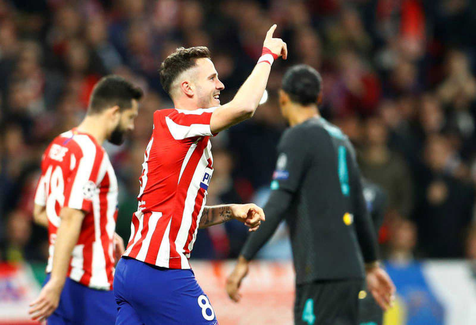 Saúl Ñíguez celebra su tanto (1-0) ante el Liverpool