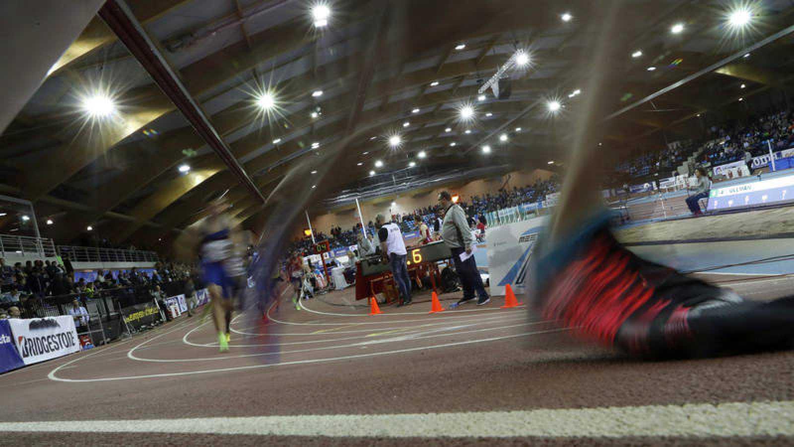 Imagen de la final de 800m de la Reunión Internacional de atletismo Villa de Madrid.