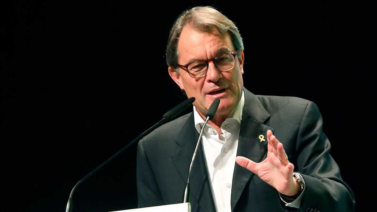 El expresidente catalán Artur Mas, durante un mitin de JxCat en el teatro Metropol de Tarragona.