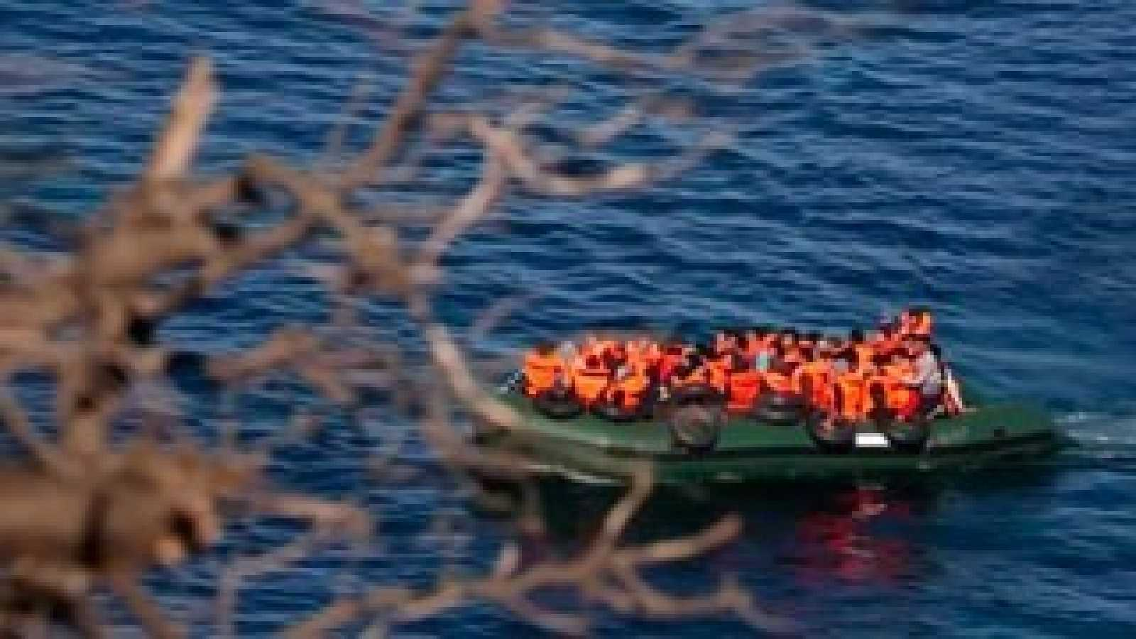 Llega a Fuerteventura una patera con 61 personas y se busca otra con 6 niños