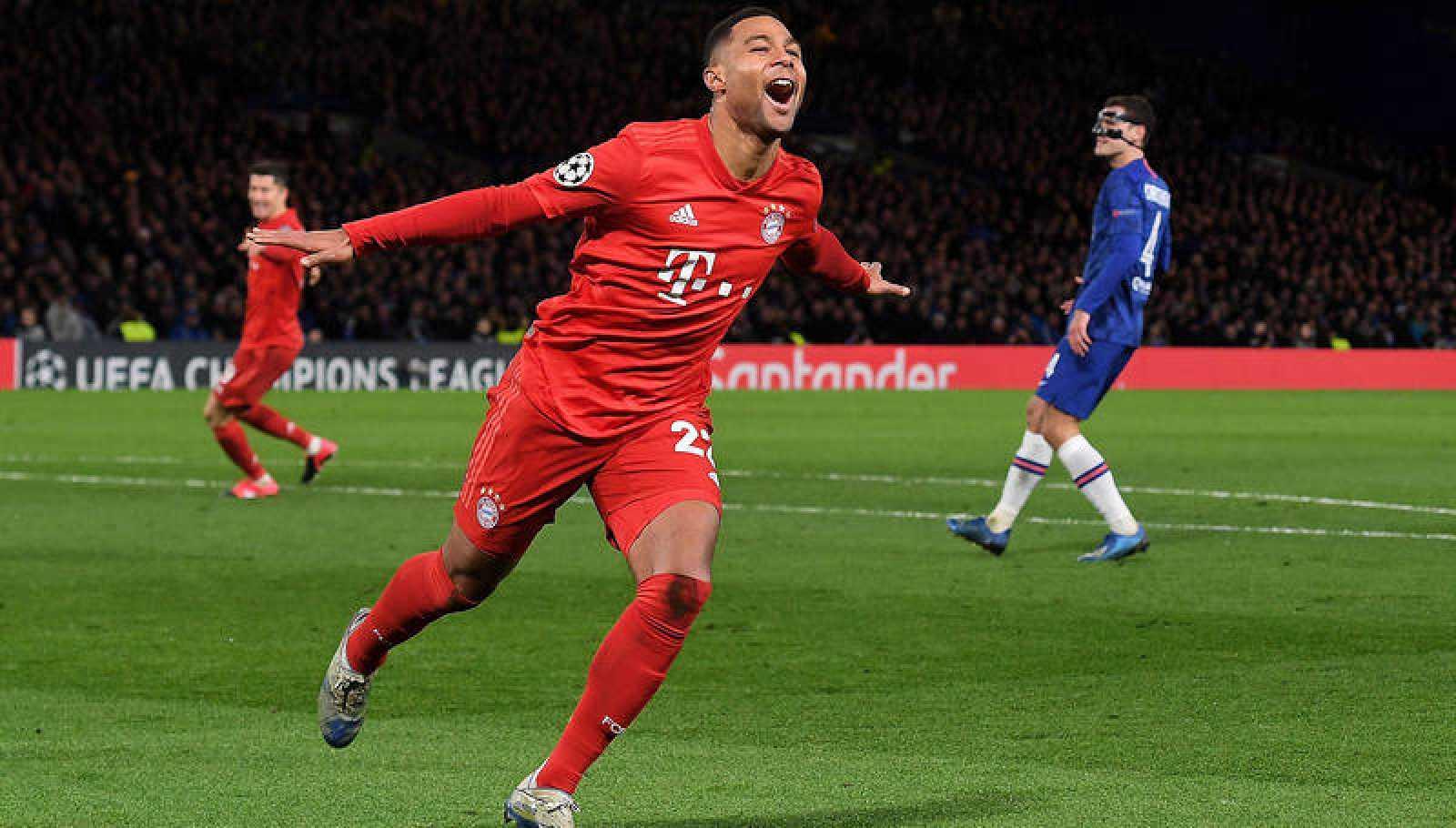 Gnabry celebra uno de sus dos goles al Chelsea.
