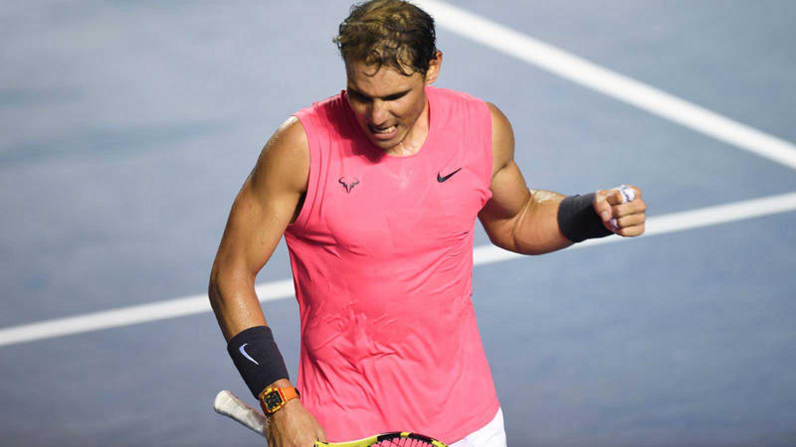 El tenista español Rafa Nadal celebra su pase a semifinales en Acapulco.