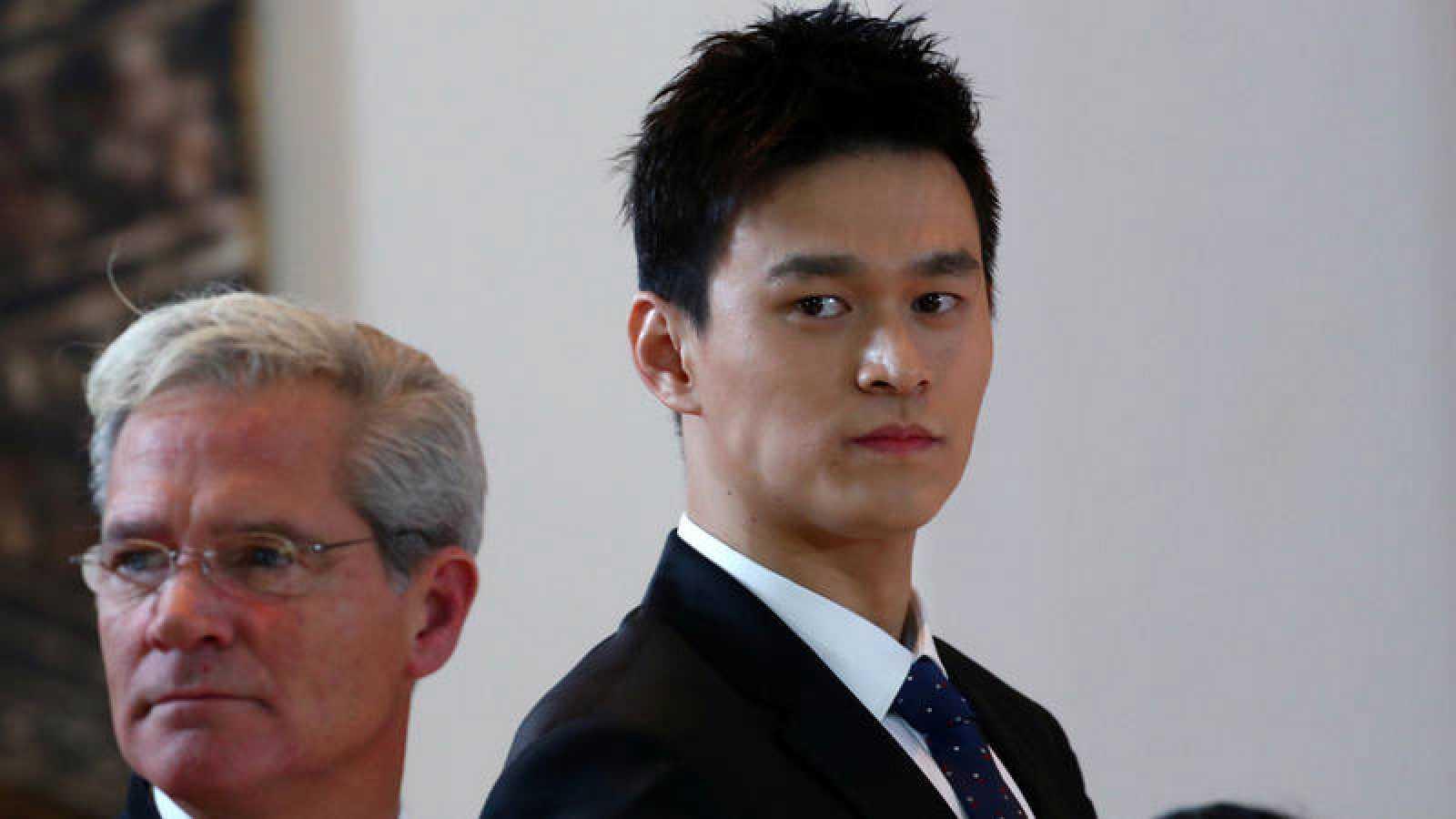 Sun Yang (d), en la vista de su caso ante el TAS.