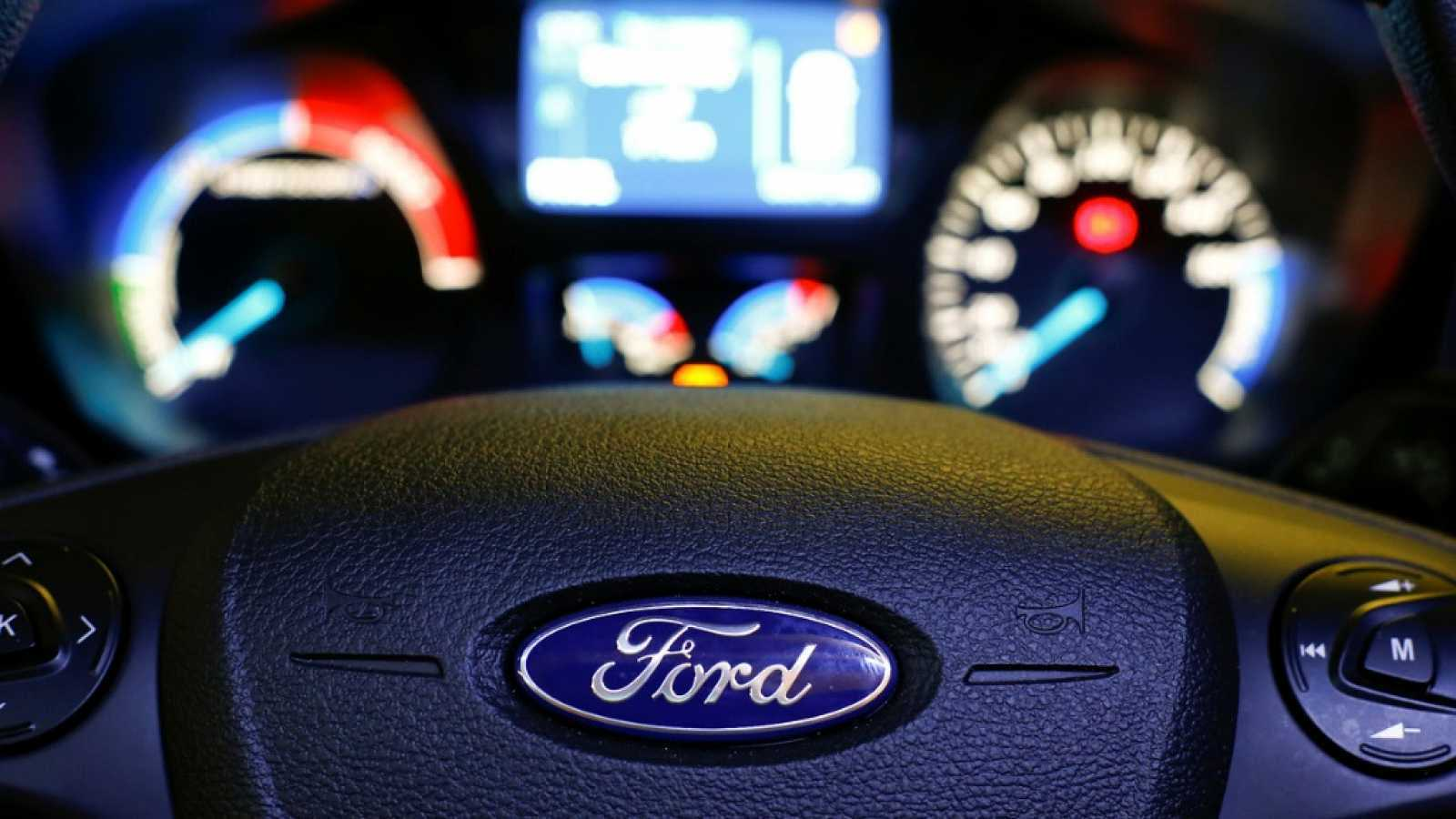 Ford plantea un ERE de 400 trabajadores en su planta valenciana de Almussafes ante la bajada de la producción