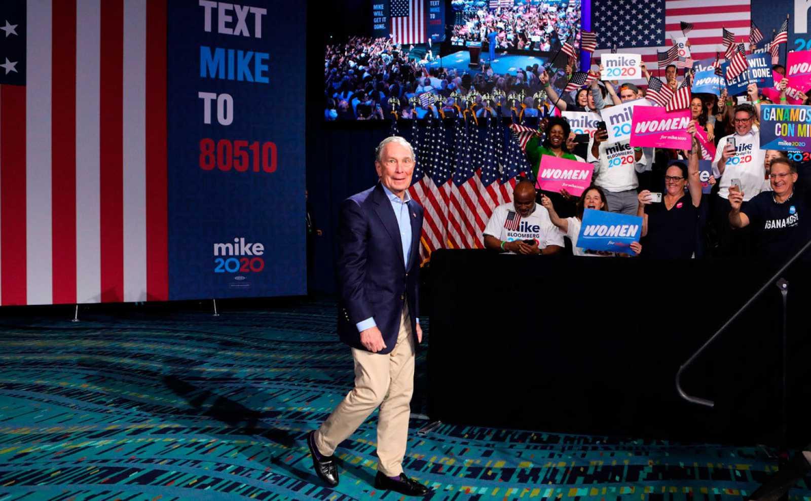 Bloomberg se retira de las primarias demócratas tras su fiasco en el 'Supermartes'