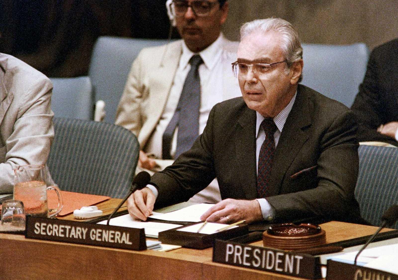El exsecretario general de la ONU Javier Pérez de Cuellar en 1988