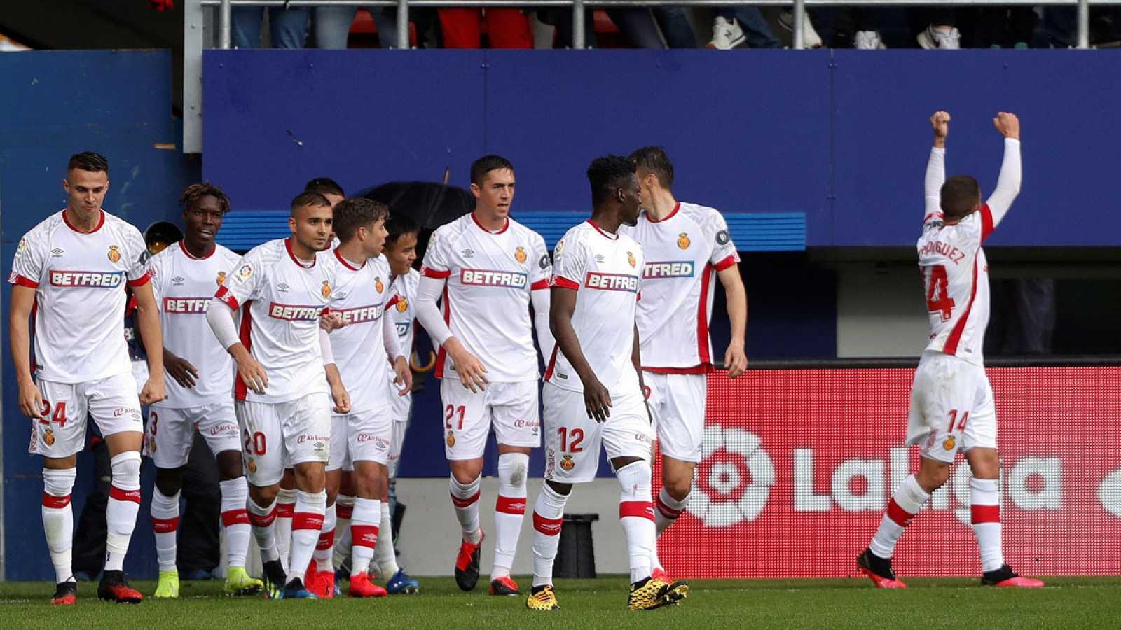 Jugadores del Mallorca celebran el primer gol