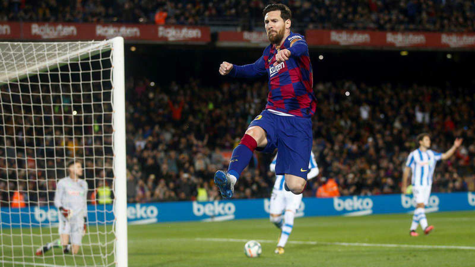 Leo Messi celebra su gol ante la Real Sociedad para el FC Barcelona