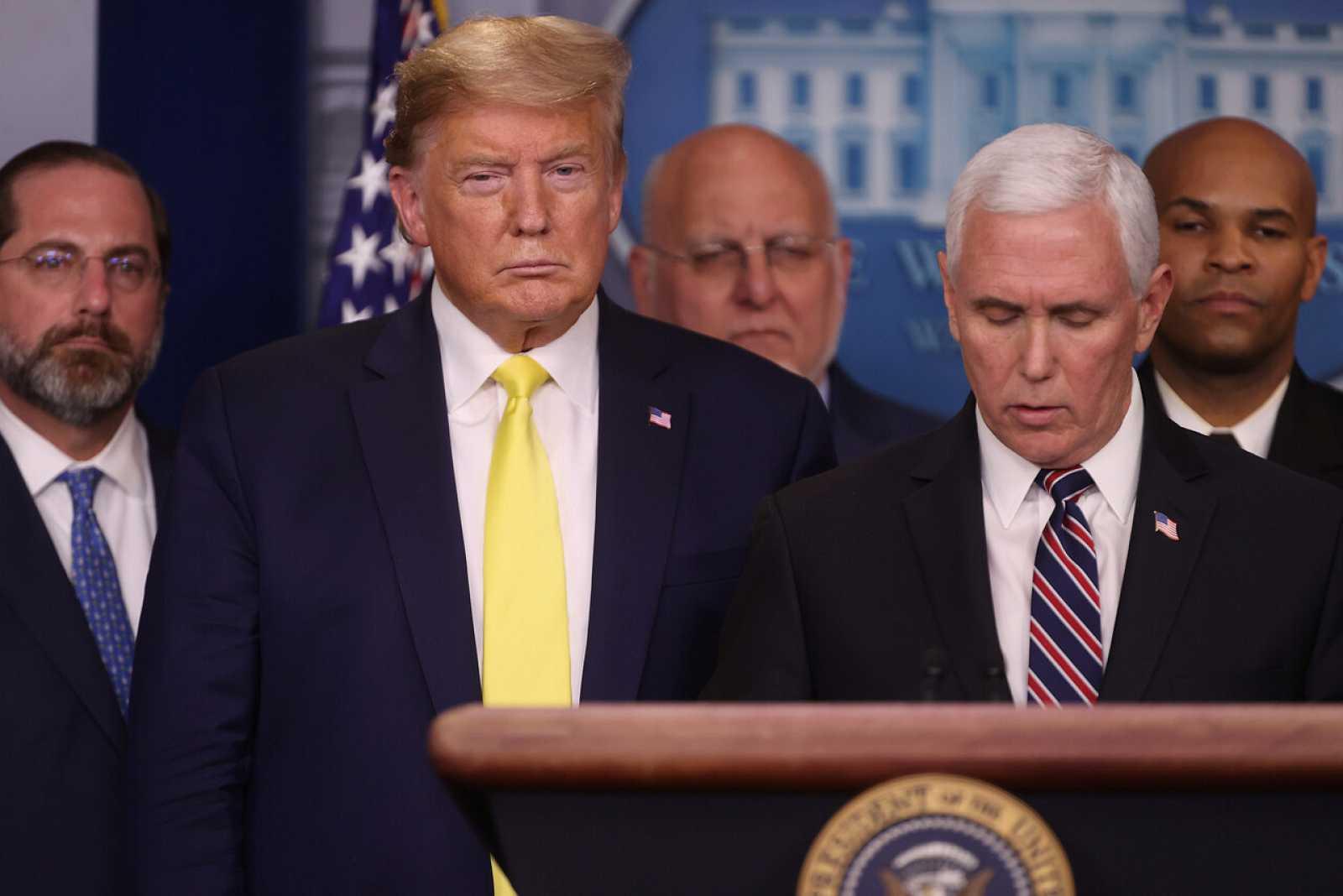 Dondald Trump y Mike Pence durante la rueda de prensa en la Casa Blanca