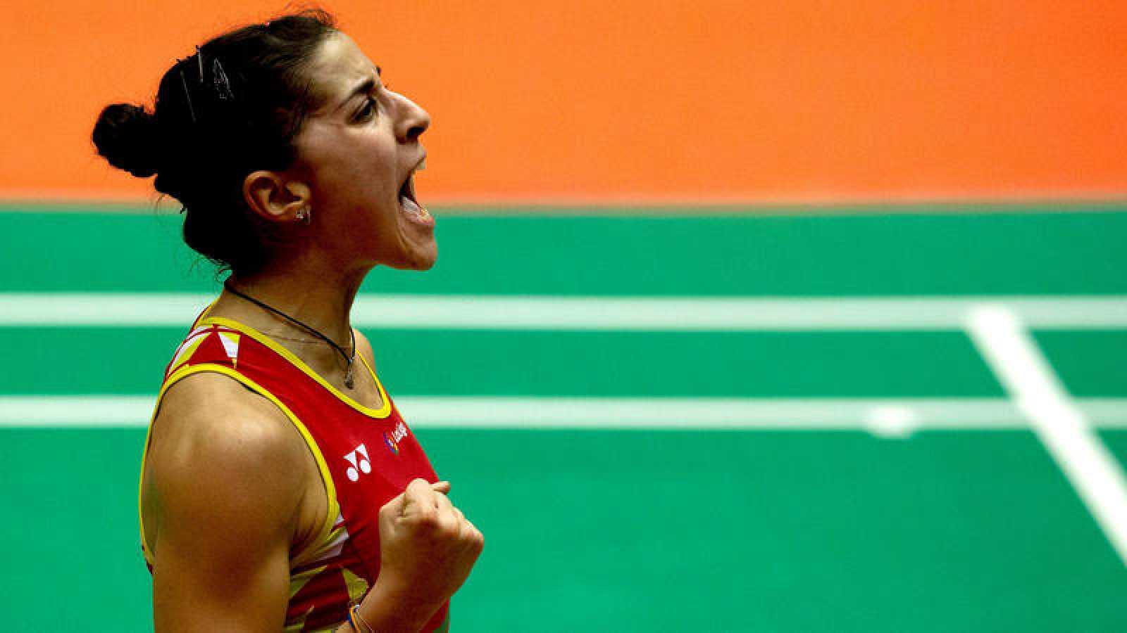 La española Carolina Marín celebra un punto.