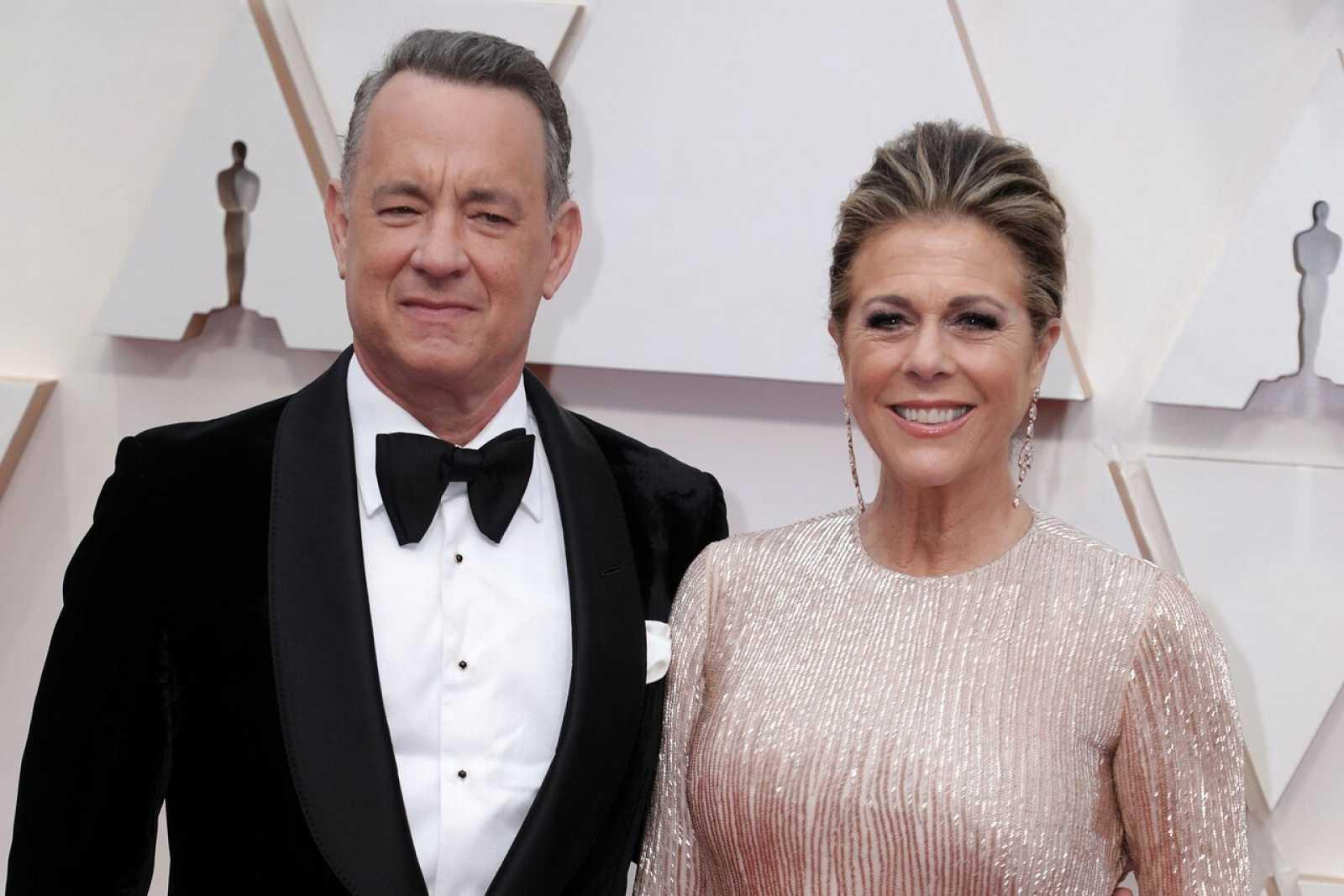 Tom Hanks y Rita Wilson en una alfombra roja