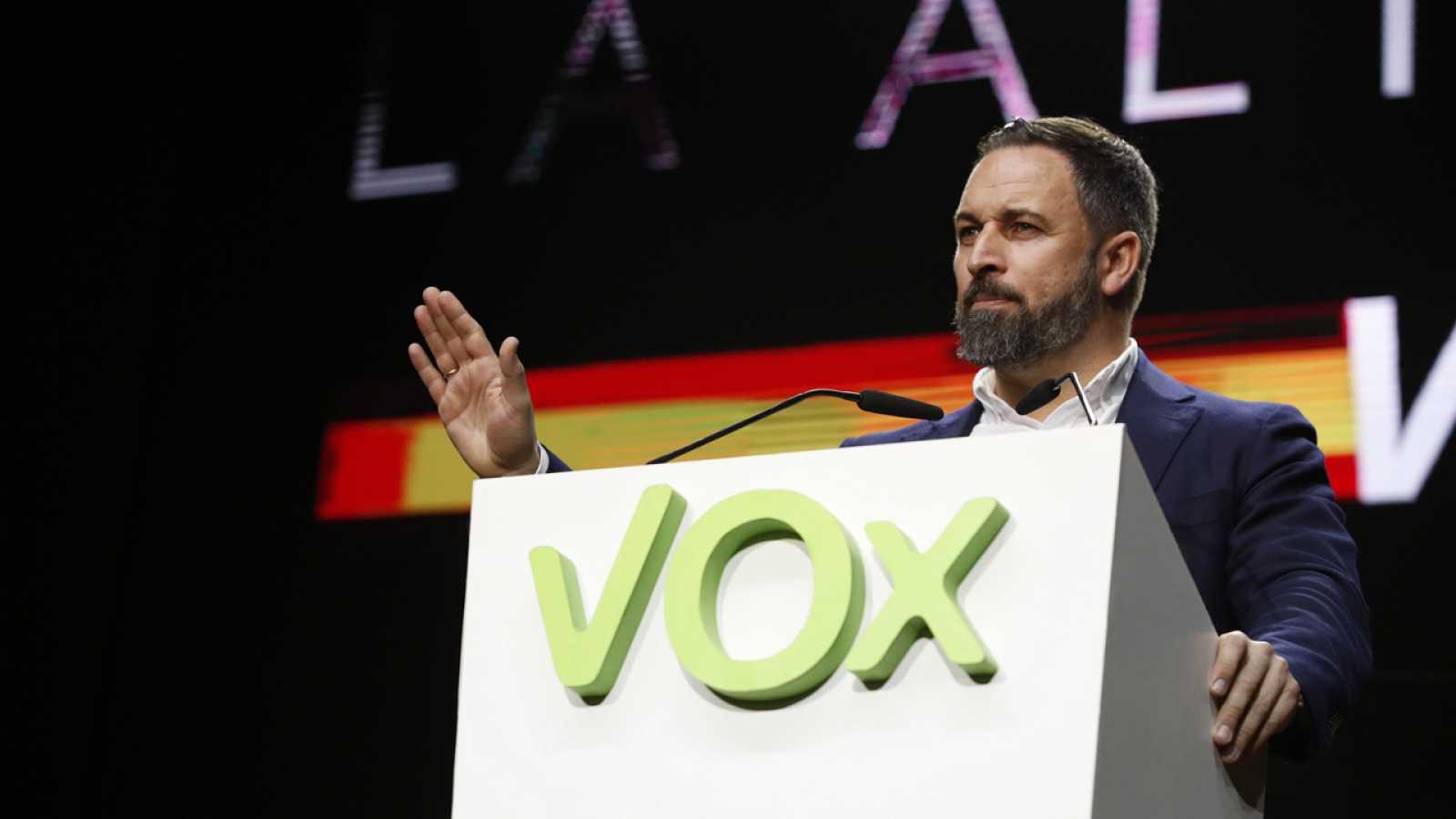 El líder de Vox, Santiago Abascal, durante la asamblea general de Vox el 8 de marzo