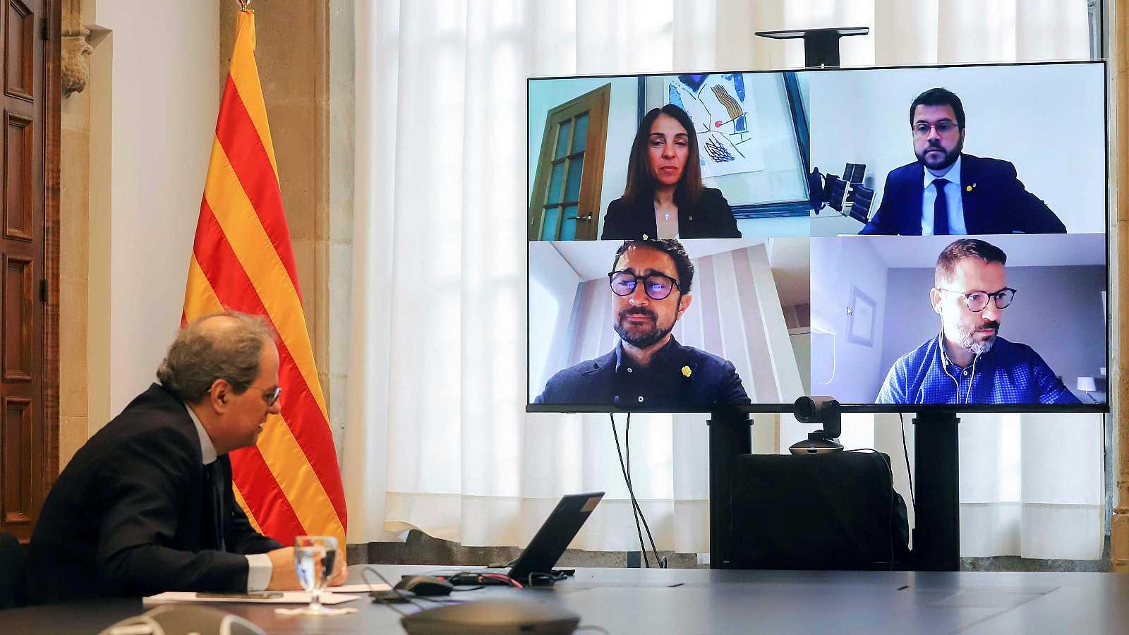 Quim Torra, durante la reunión extraordinaria del Govern realizada por videoconferencia, este domingo.