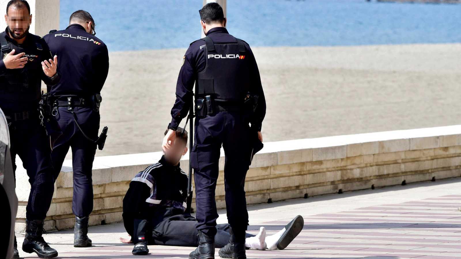 Detienen por desobediencia a un ciclista que no paró ante la Policía Nacional