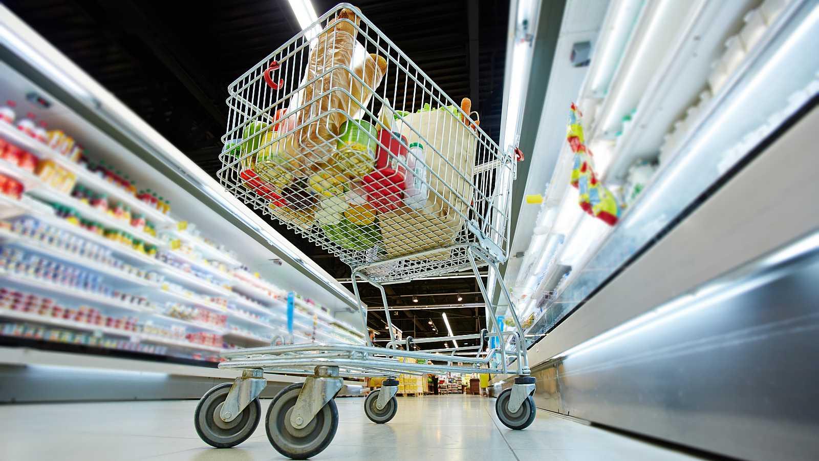 Salir a la calle para hacer la compra es una de las pocas actividades permitidas fuera del hogar durante la cuarentena