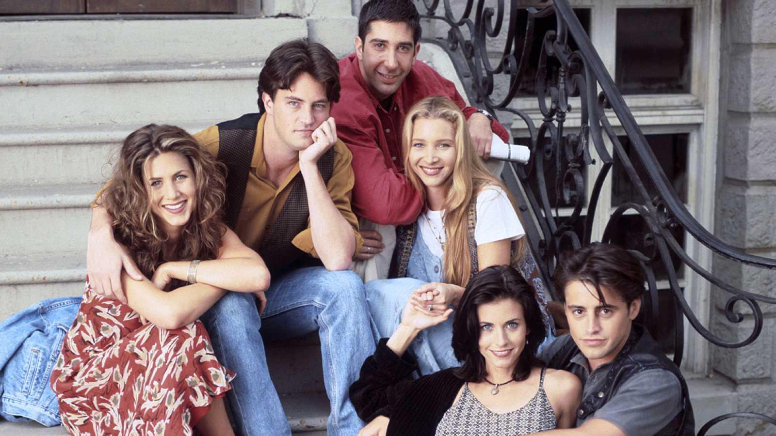 """Los protagonistas """"Friends"""", en el popular edificio del Village de Nueva York."""