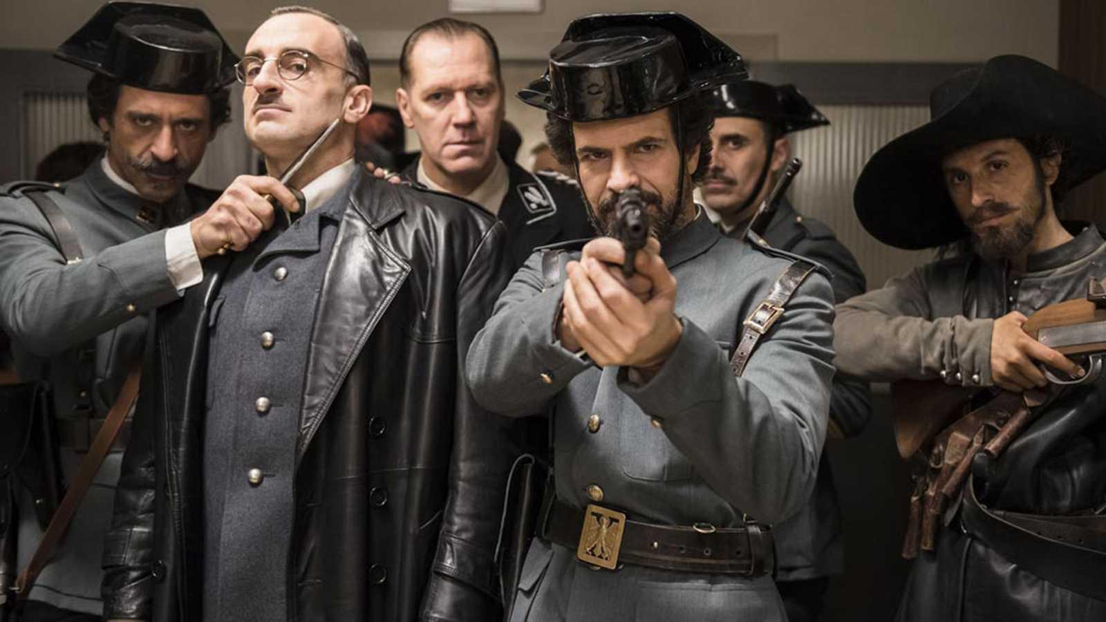 La patrulla de El Ministerio del Tiempo en el capítulo 3 de la primera temporada