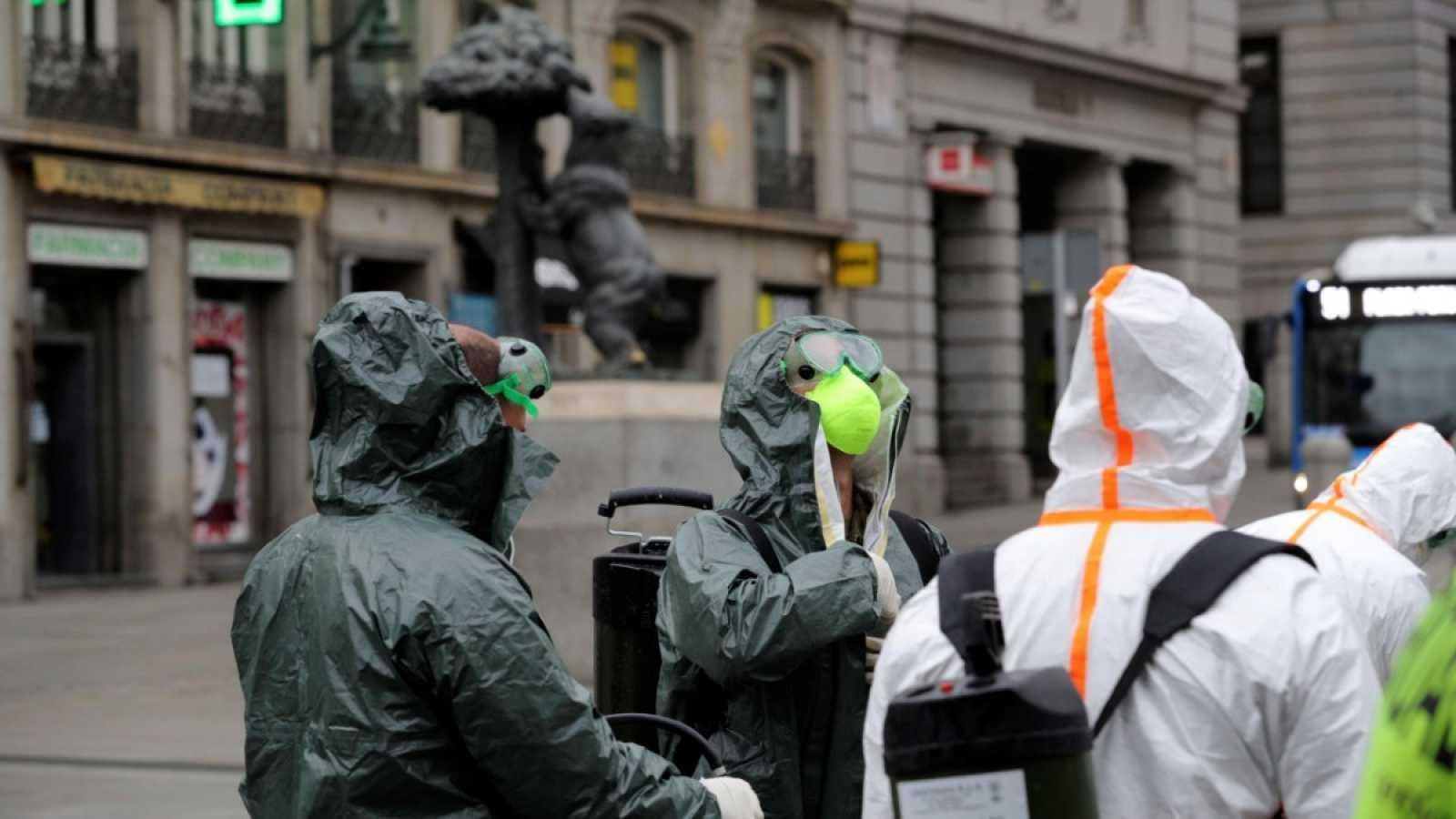 Resultado de imagen para En otro día trágico, España supera los 4.000 muertos por coronavirus y extiende la cuarentena