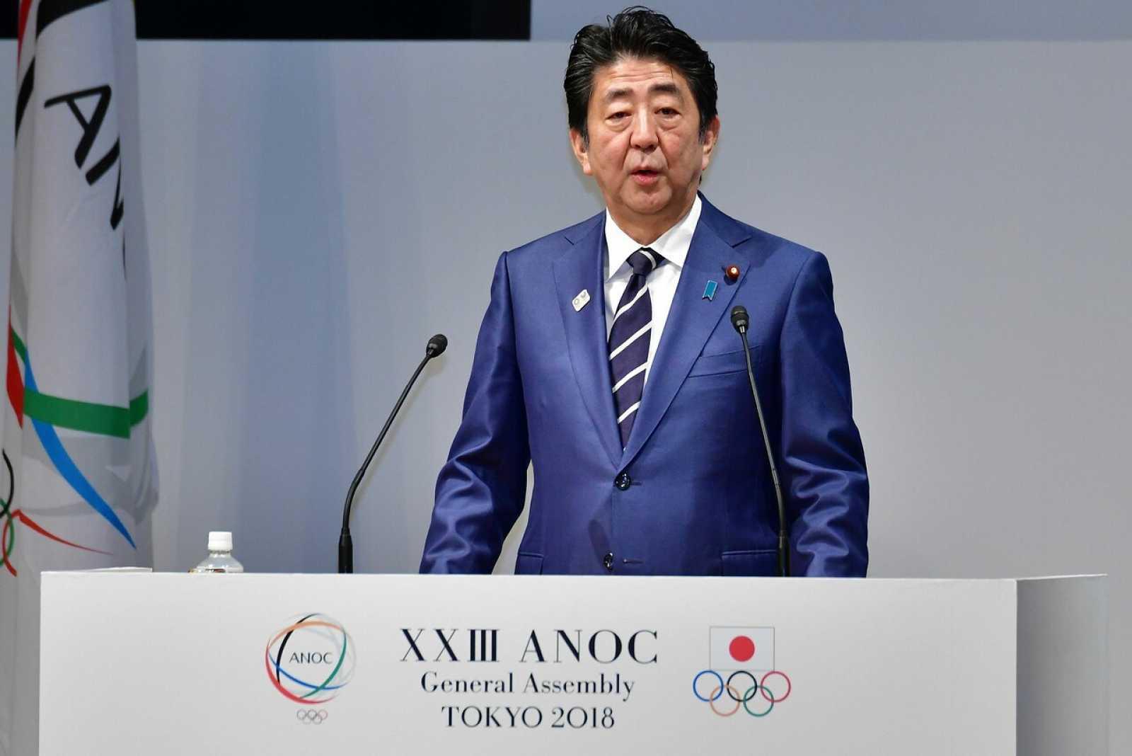 Foto de archivo del primer ministro de Japón Shinzo Abe