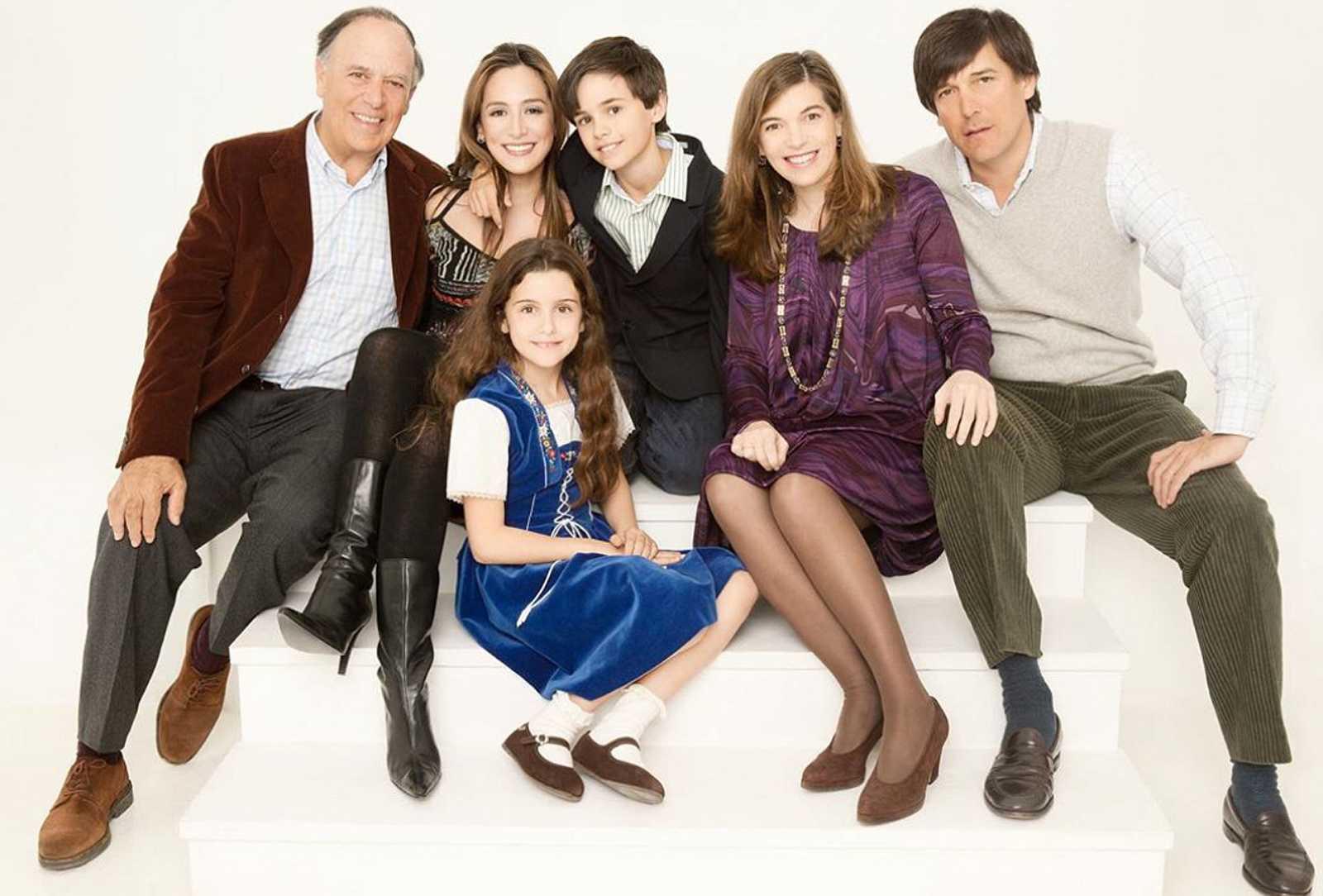 Carlos Falcó con sus cinco hijos: Tamara, Duarte, Xandra, Manuel y, abajo, Aldara