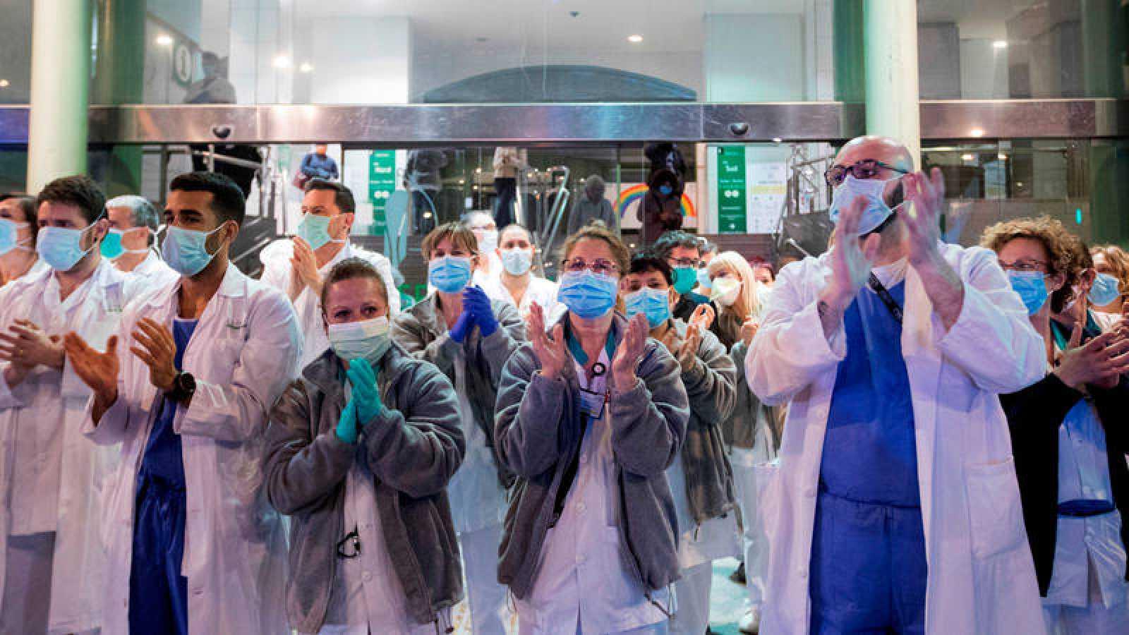 La sanidad irrumpió como tercera preocupación de los españoles justo ante de la declaración de alarma por la pandemia del coronavirus.