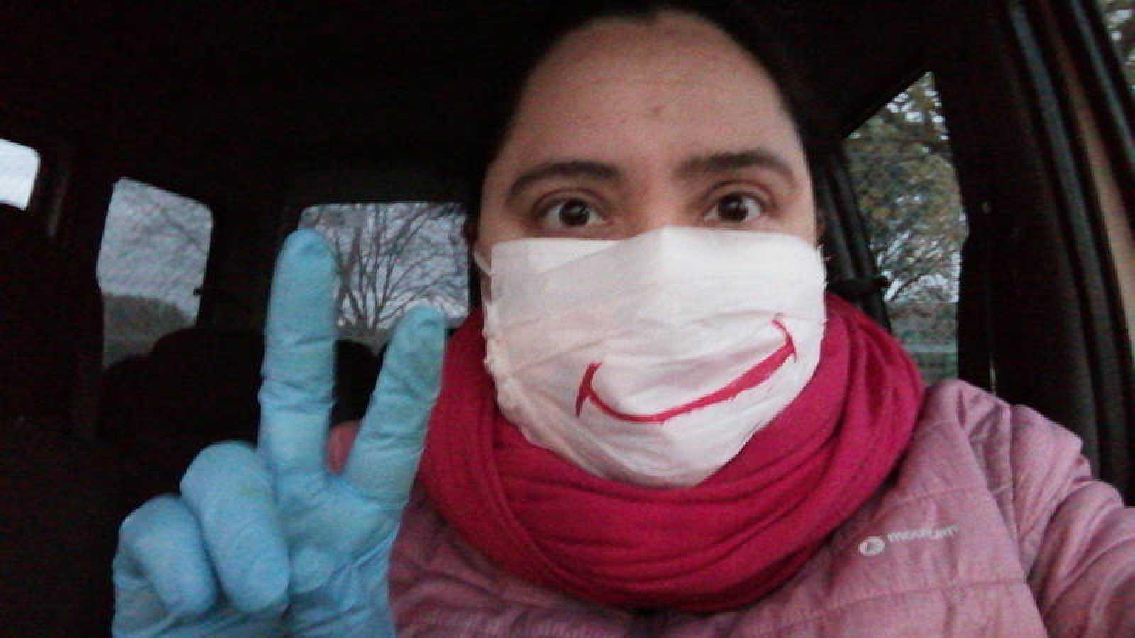 Raquel, payasa y autónoma, no pierde la sonrisa