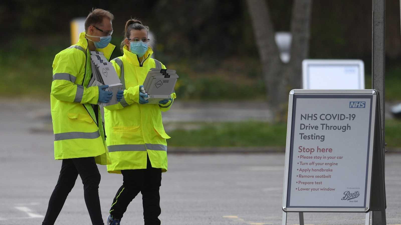 Aumenta un 24% el número de muertos con coronavirus en el Reino Unido, hasta los 2.921 fallecidos