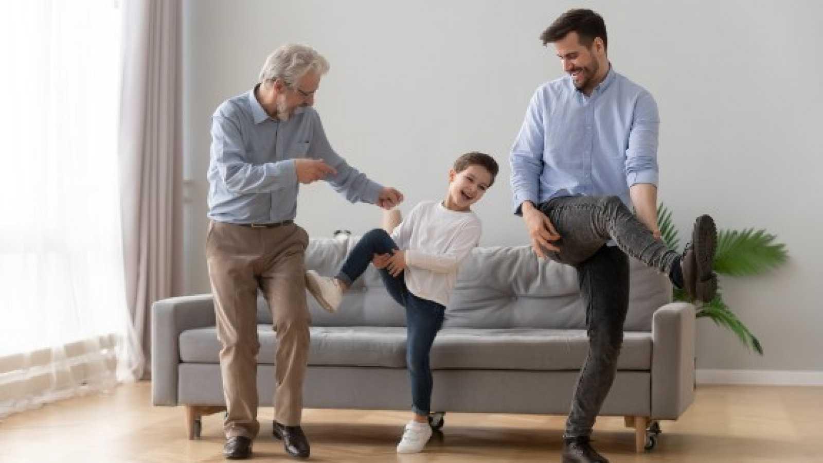Bailar en familia, la mejor terapia para el confinamiento