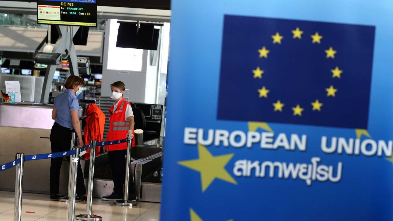 Ciudadanos regresan a la UE desde Tailandia