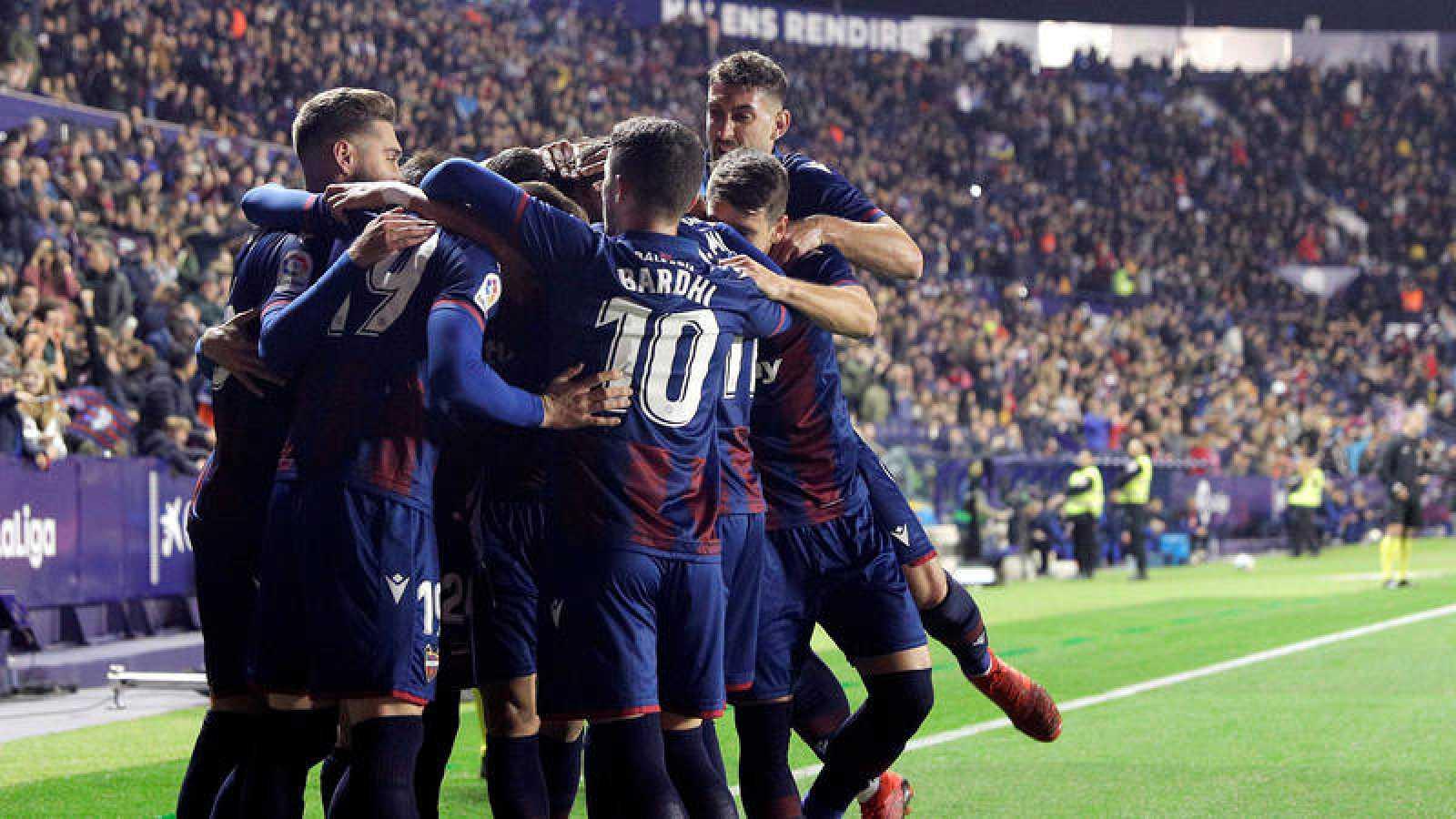 Levante UD vs Valencia FC, celebración del gol del Levante.