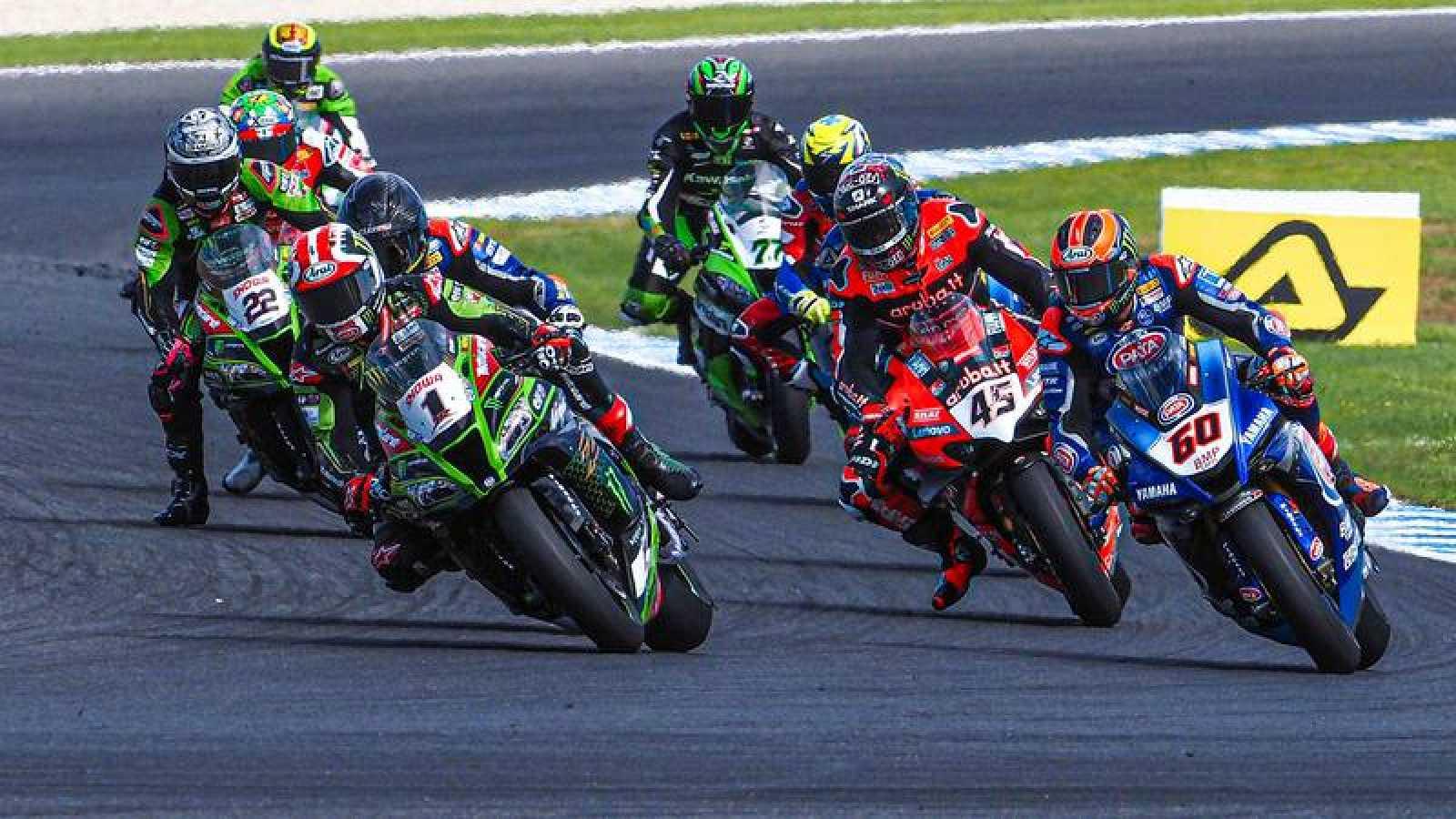 Imagen de archivo de una carrera del Mundial de Superbike.